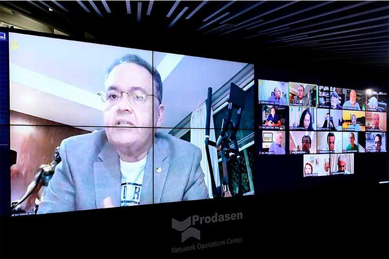Roberto Rocha quer equiparação de blogs a veículos de comunicação (Foto: Pedro França/Agência Senado)