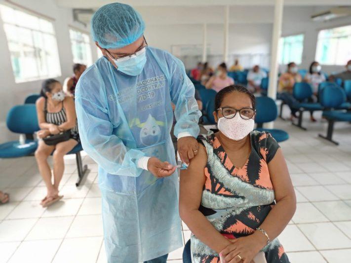 População entre 18 e 24 anos é vacinada em Benjamin Constant (Foto: Divulgação)