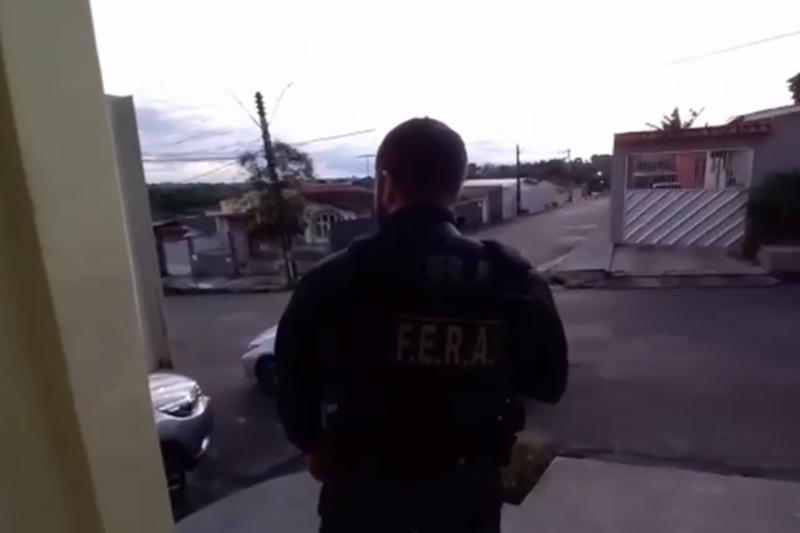 policial em operação coalizao do bem