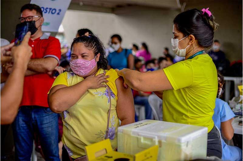 Vacinação nesta sexta em Manaus terá postos abertos até às 21h (Foto: Camila Batista/PMM Semcom)