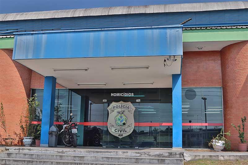 Delegacia de Homicídios: policiais libertaram ex-vereador de grupo criminoso (Foto: Alailson Santos/PC-AM)