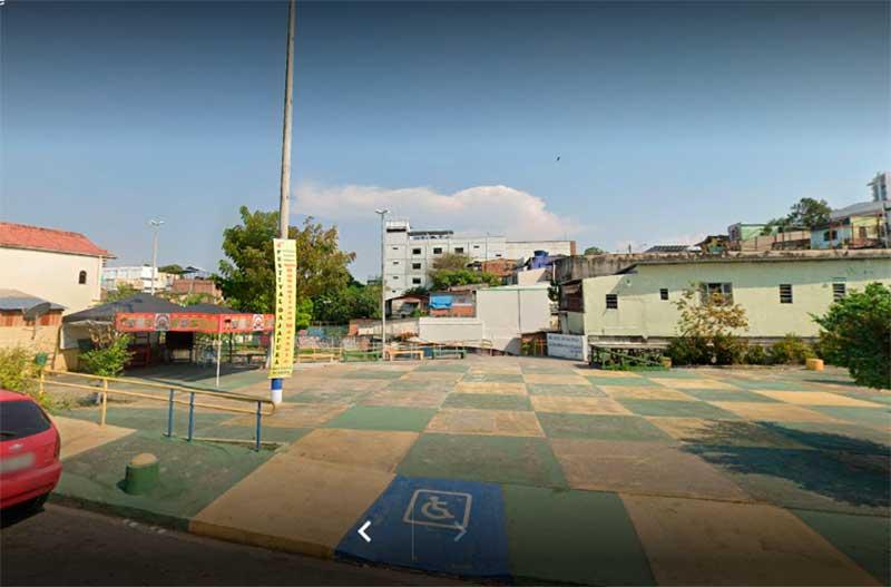 Praça Nestor Nascimento foi rebatizada como Oscarino Peteleco (Foto: Google Maps)