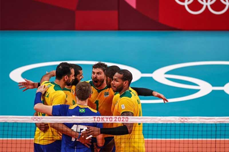 Jogadores festejaram muito a vitória sobre a França (Foto: Jonne Roriz/COB)
