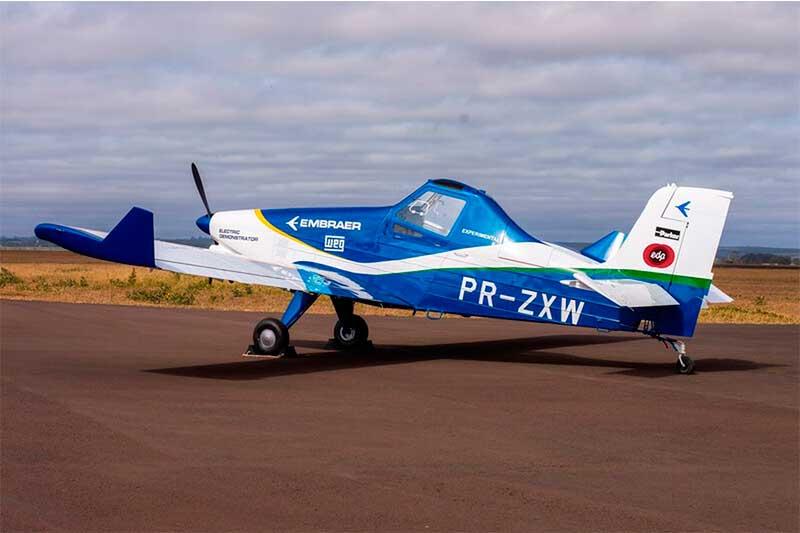 Modelo Ipanema foi adaptado para voar movido a baterias (Foto: Embraer/Divulgação)