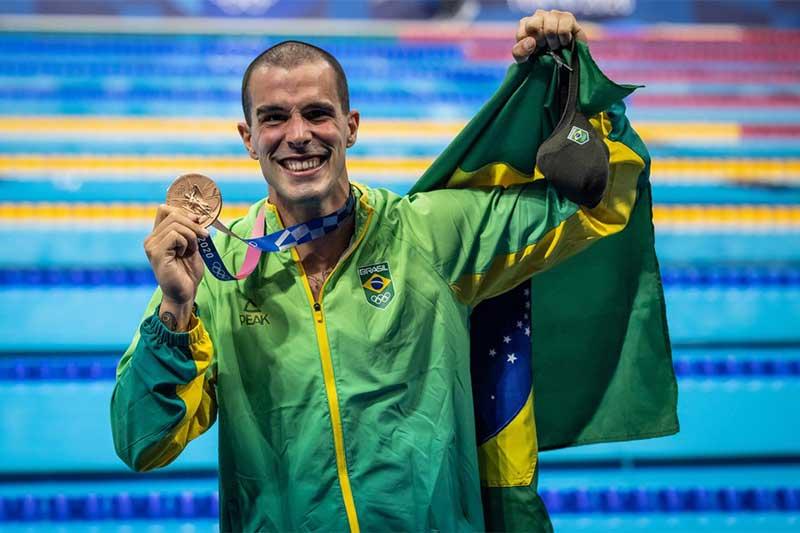 Bruno Fratus é bronze nos 50m em Tóquio (Foto: Jonne Roriz/COB)