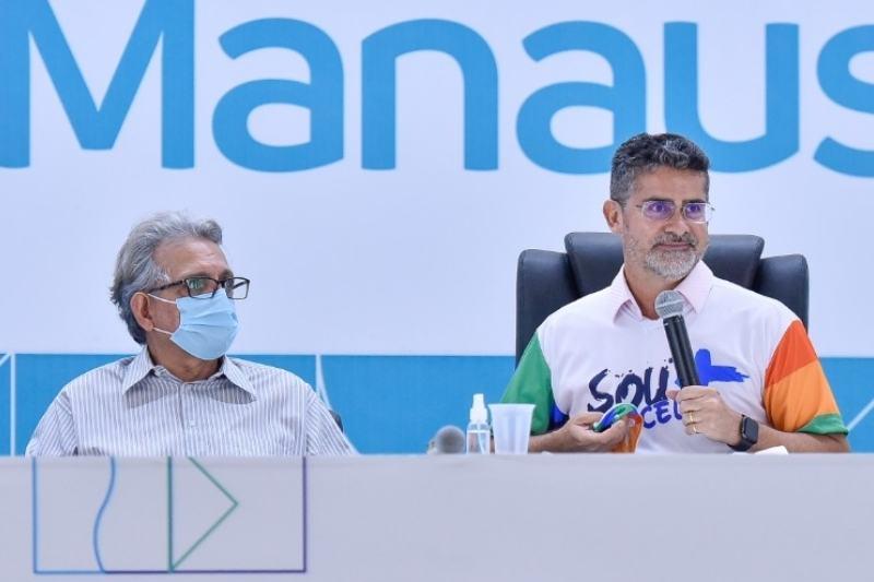 David Almeida anuncia pagamento de retroativos a professores (Foto: Marcely Gomes/Semcom)