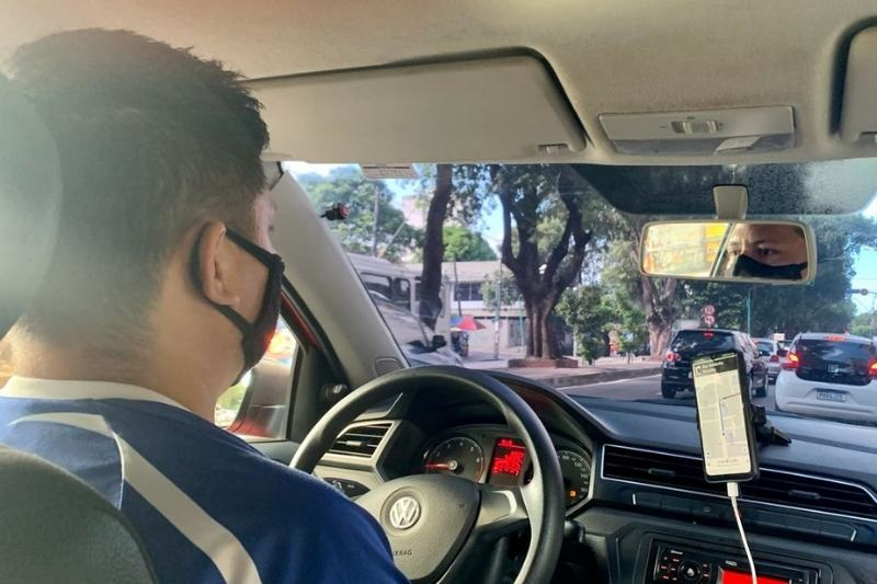 Motoristas por aplicativo querem redução de IPVA (Foto: Alessandra Taveira/ATUAL)