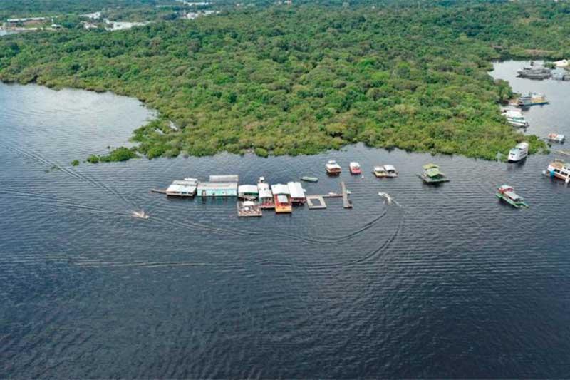 Flutuantes no Tarumã: risco de nova aglomeração (Foto: Abaré/Divulgação)