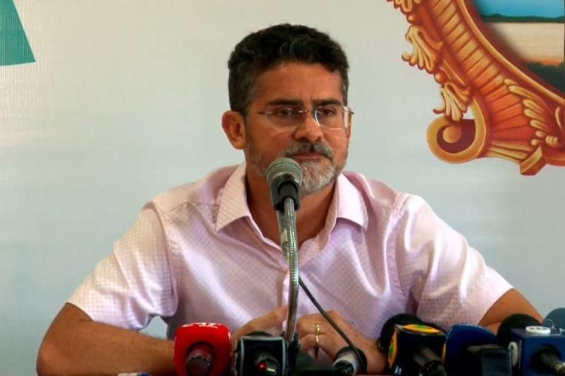 David Almeida anuncia vagas para saúde do município (Foto: Reprodução/Facebook)
