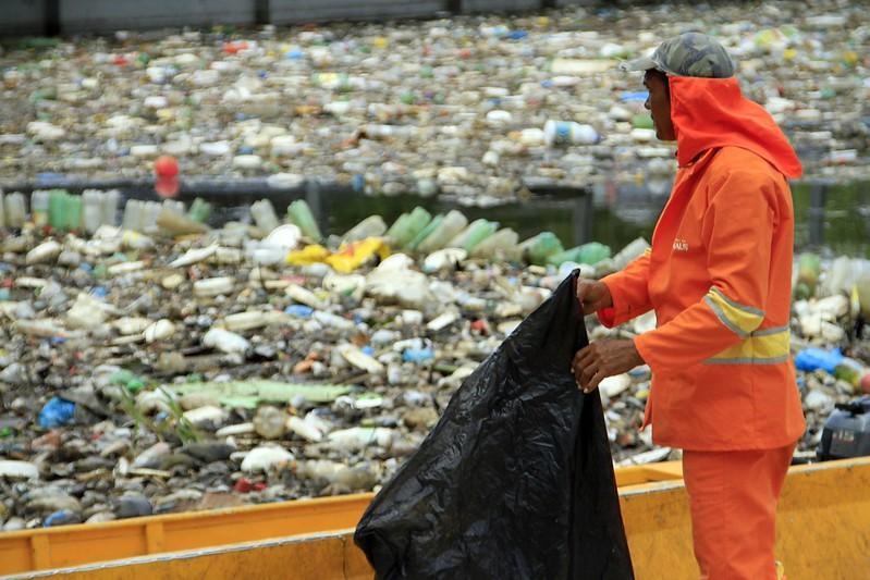 lixo igarapés