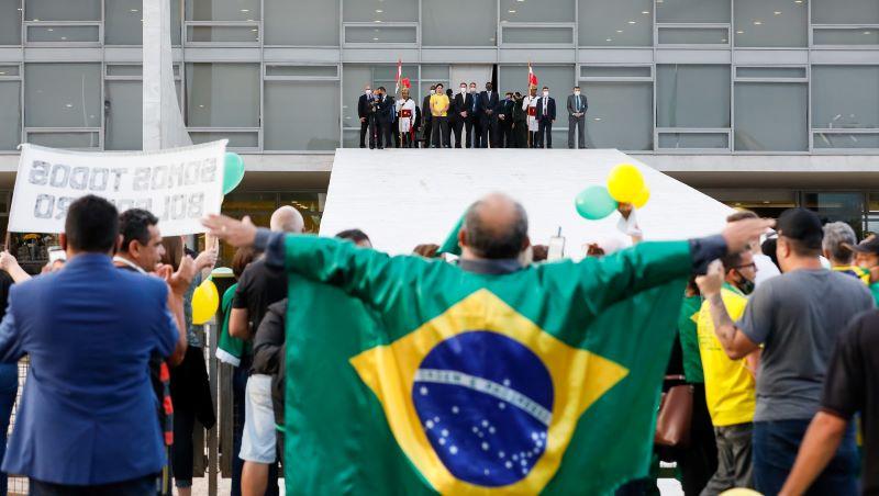 Presidente Bolsonaro na rampa do Palácio do Panalto