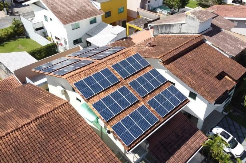 Placas fotovoltaicas conseguem suprir todo o consumo elétrico de uma casa (Foto: Divulgação/Criteria Energia)