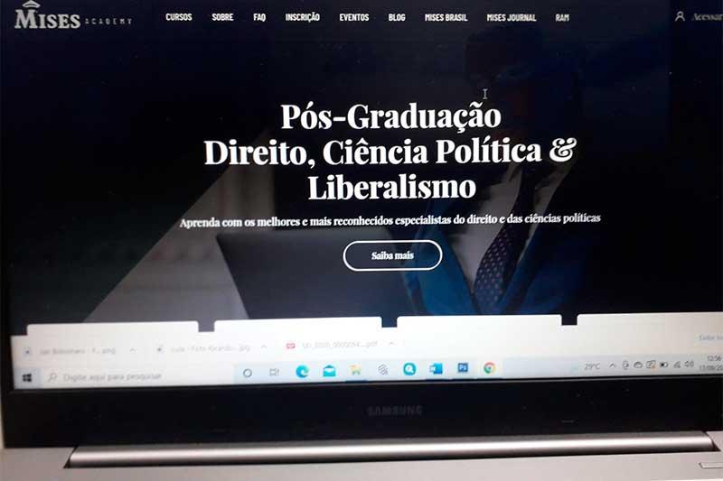 Página da Mises Academy na Internet: cursos sobre economia liberal (Foto: ATUAL)