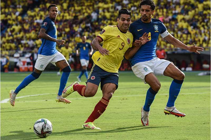 Marquinhos em lance de disputa de bola: jogo ruim (Foto: Julian Medina/DiaEsportivo/Folhapress)