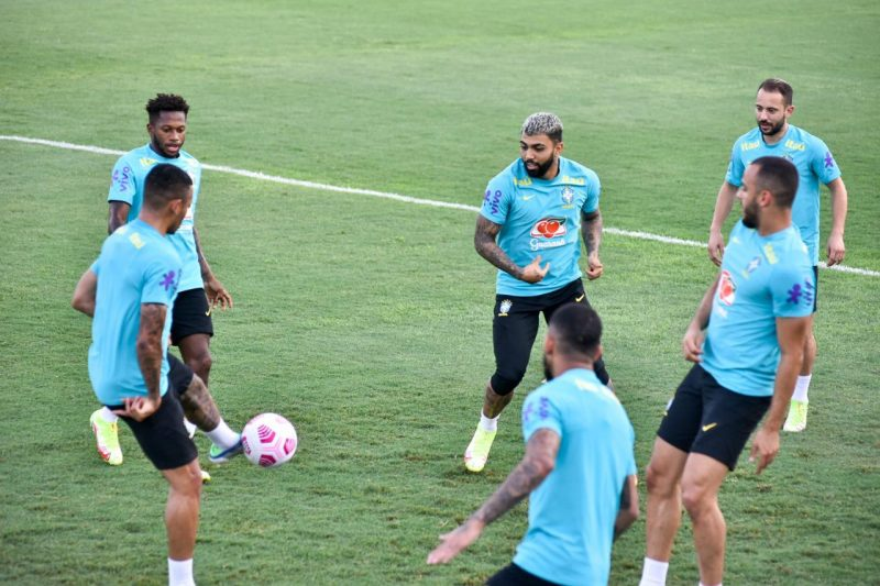 Seleção Brasileira treina no Estádio Ismael Benigno em Manaus (Foto: Mauro Neto/Faar)